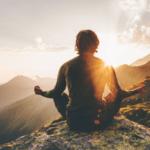 Mélanger la méditation et les champignons magiques